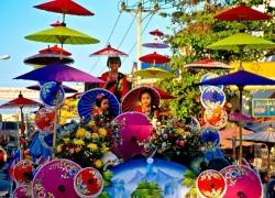 Bo Sang Umbrella Fair & Sankamphaeng Handicrafts Festival in Thailand