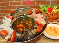 Crab hot pot with seafood in Soc Trang