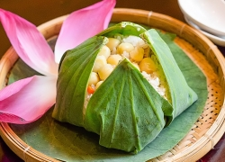 Steamed rice wrapped in lotus leaf in Dong Thap