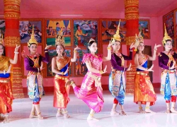 Traditional Costumes of The Khmer people in Vietnam