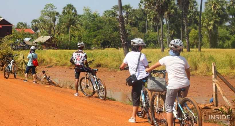 Biking from Phnom Penh to Phnom Udong Hill