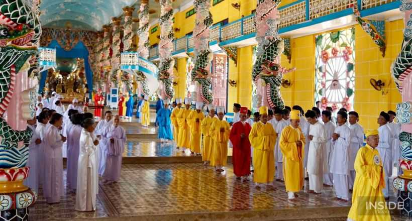 Full Day Cu Chi Tunnels and Cao Dai Temple Tour