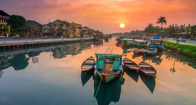 Essential Vietnam Holiday