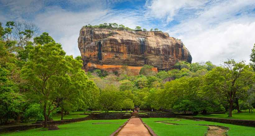 Explore the best sights of Sri Lanka