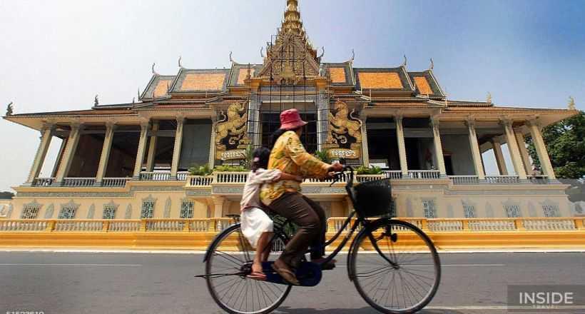 Cycling To The Killing Field & Royal Palace