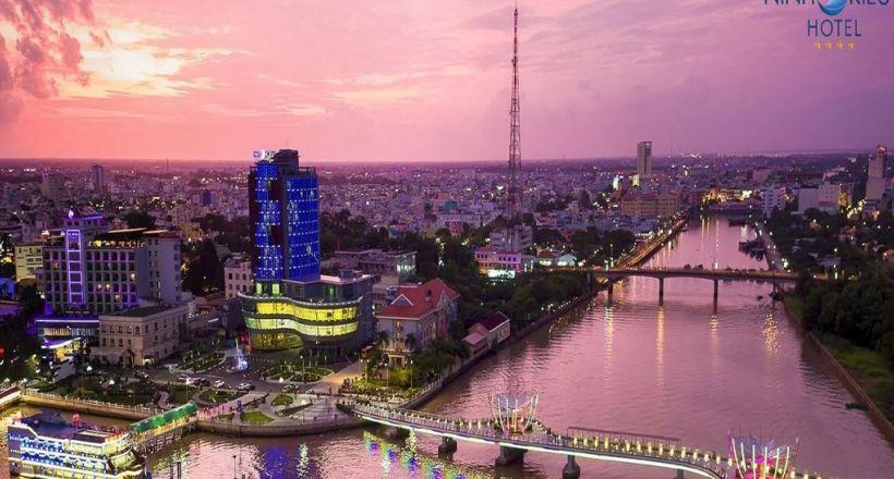 Ninh Kieu Riverside Hotel (4 star)
