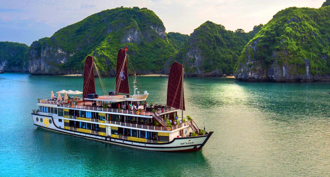 Best Value Combo: Apricot Hotel & Orchid Cruise