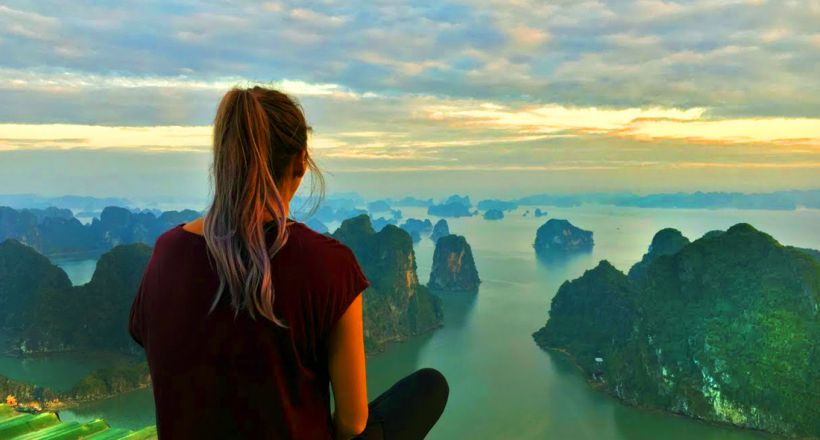 One day trip to Bai Tu Long Bay