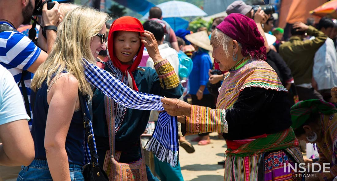 Colorful Bac Ha market private tour