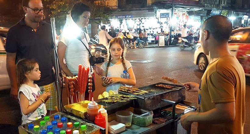 Hanoi Walking Street food tour by night