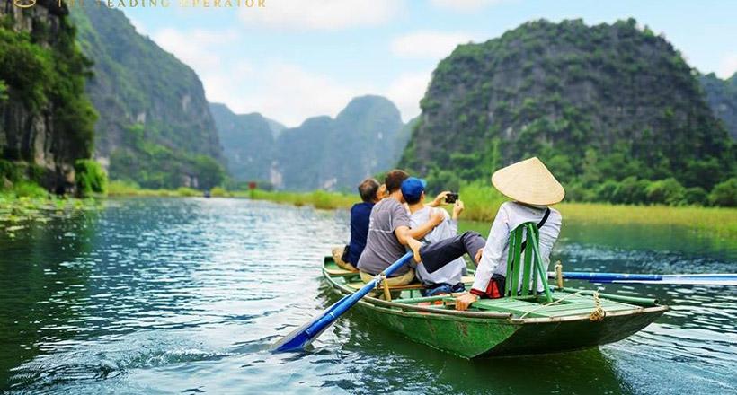 Private Hoa Lu – Tam Coc full day tour