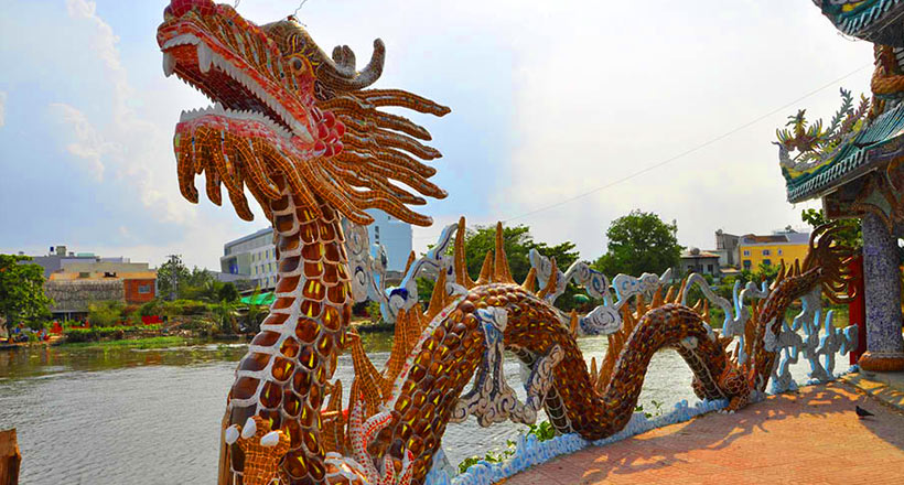 Saigon Dragon Floating Temples by Luxury Speedboat - SIC tour