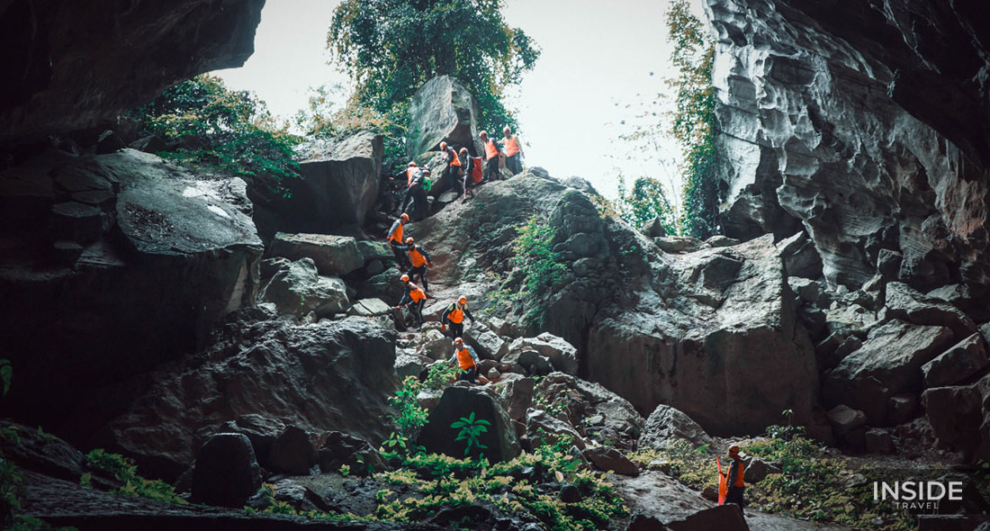 Private full-day Tu Lan Cave experience